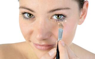 Как правильно замаскировать синяки под глазами с помощью макияжа