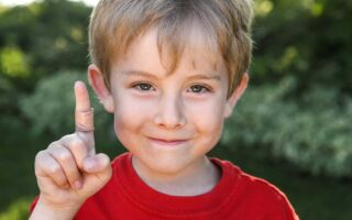 Какими методами лучше лечить папилломы и бородавки у ребенка