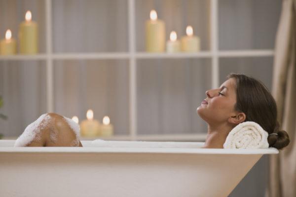 Прием ванны с эфирными маслами