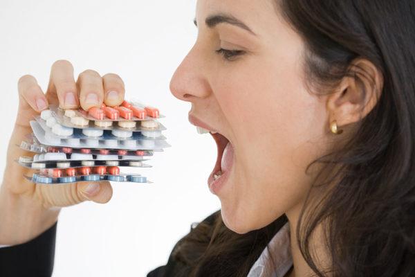 Прием противовирусных препаратов по назначению врача