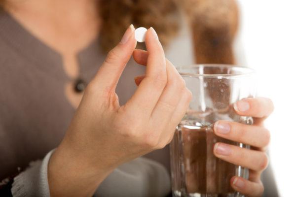 Прием кортикостероидных препаратов