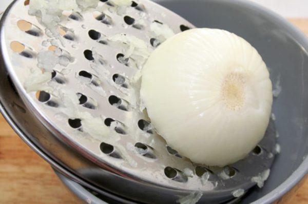Приготовление компресса из лука