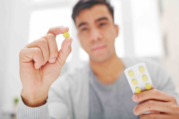 Прием таблетки