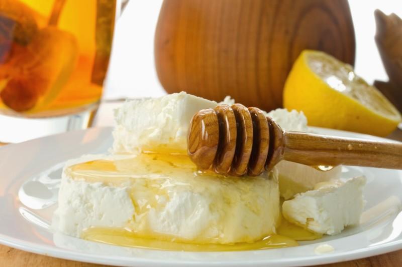 Мёд и творог