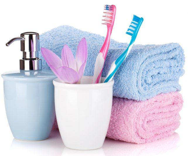 Личная зубная щетка, полотенце