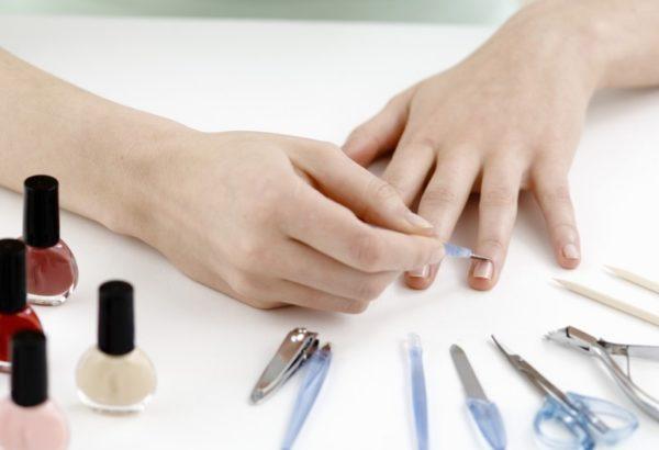 Заражение грибком ногтей при маникюре