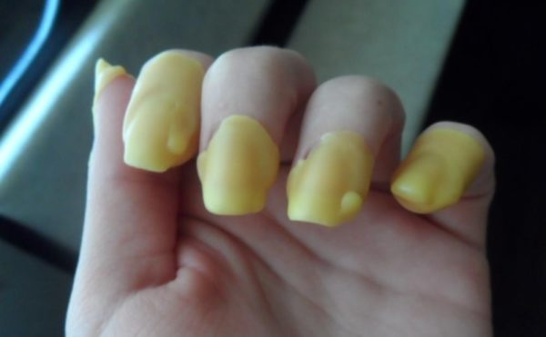 Восковое запечатывание ногтевой пластины