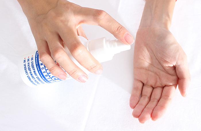После завершения процесса обработки руки тщательно моются и обрабатываются с помощью антисептика
