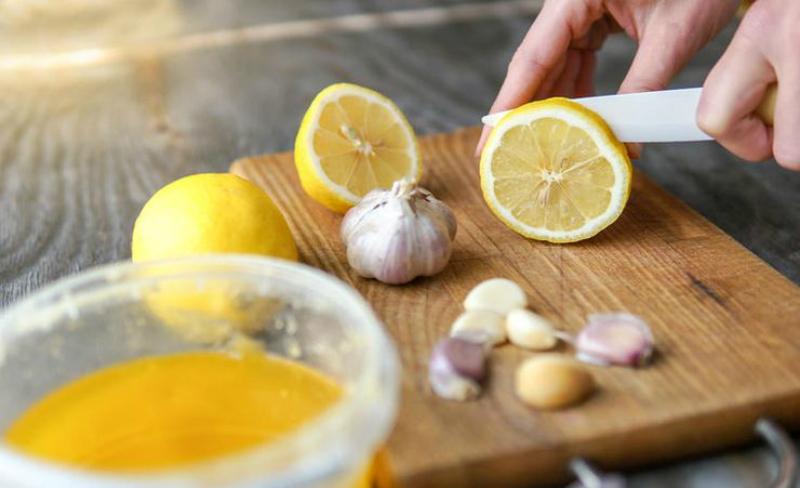 Сок из лимона и чеснока